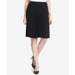 NWT Calvin Klein Pleated Skirt